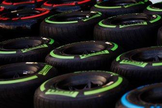 Les pneus dans le paddock
