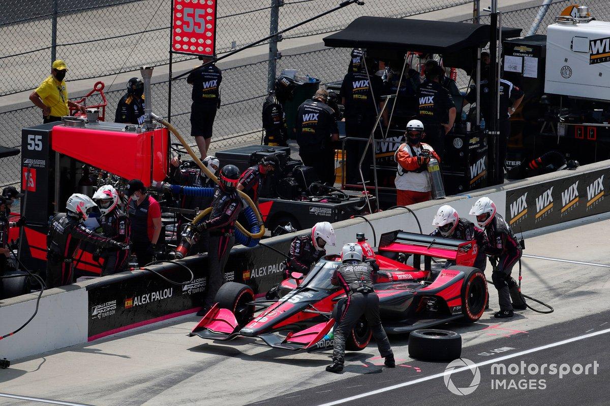 Alex Palou, Dale Coyne Racing with Team Goh Honda pit stop