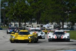 #85 JDC-Miller Motorsports Cadillac DPi, DPi: Stephen Simpson, Tristan Vautier, #77 Mazda Team Joest Mazda DPi, DPi: Oliver Jarvis, Tristan Nunez