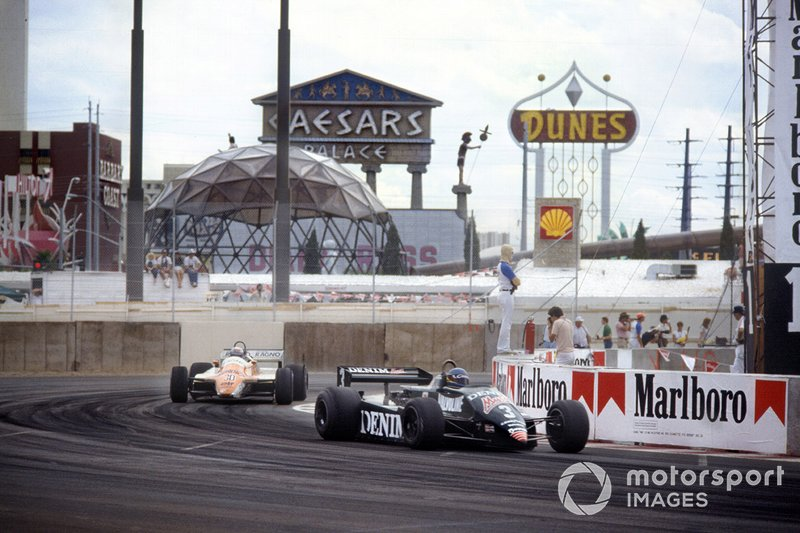 Michele Alboreto, Tyrrell 011-Ford, Mauro Baldi, Arrows A4-Ford