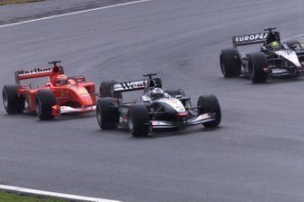 David Coulthard, McLaren MP4/16 Mercedes, Michael Schumacher, Ferrari F2001, Tarso Marques, Minardi PS01 European