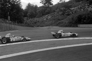 Wilson Fittipaldi, Brabham BT34 Ford leads Denny Hulme, McLaren M19C Ford