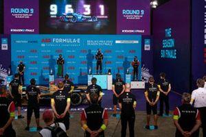Podio: segundo lugar Antonio Félix da Costa, DS Techeetah, ganador de la carrera Jean-Eric Vergne, DS Techeetah, y el tercer lugar Sébastien Buemi, Nissan e.Dams