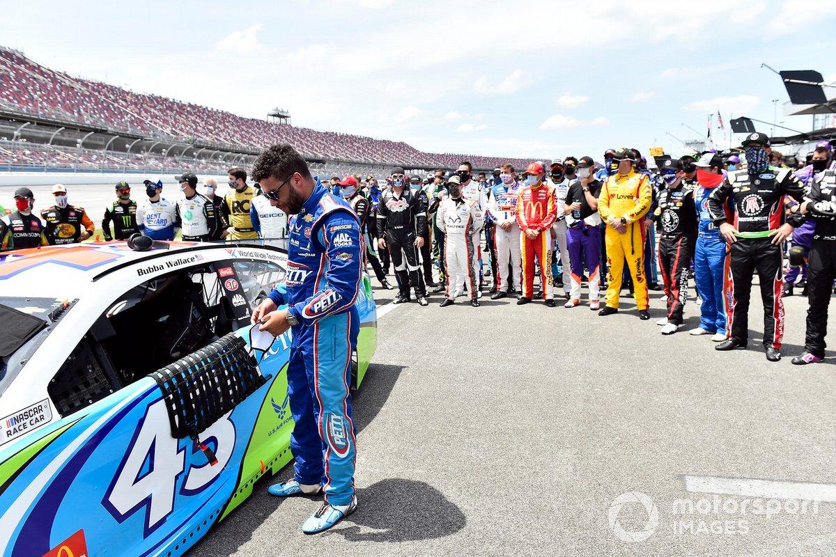 NASCAR-collega's staan achter Wallace