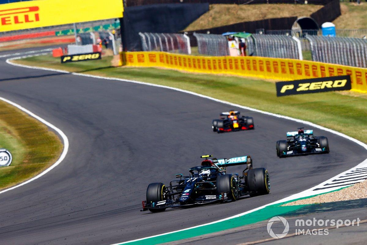 Valtteri Bottas, Mercedes F1 W11, Lewis Hamilton, Mercedes F1 W11, Max Verstappen, Red Bull Racing RB16