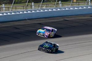 Kurt Busch, Chip Ganassi Racing, Chevrolet Camaro Monster Energy, Kyle Busch, Joe Gibbs Racing, Toyota Camry M&M's Fudge Brownie