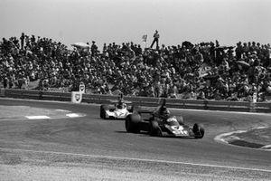 Patrick Depailler, Tyrrell 007, Clay Regazzoni, Ferrari 312T