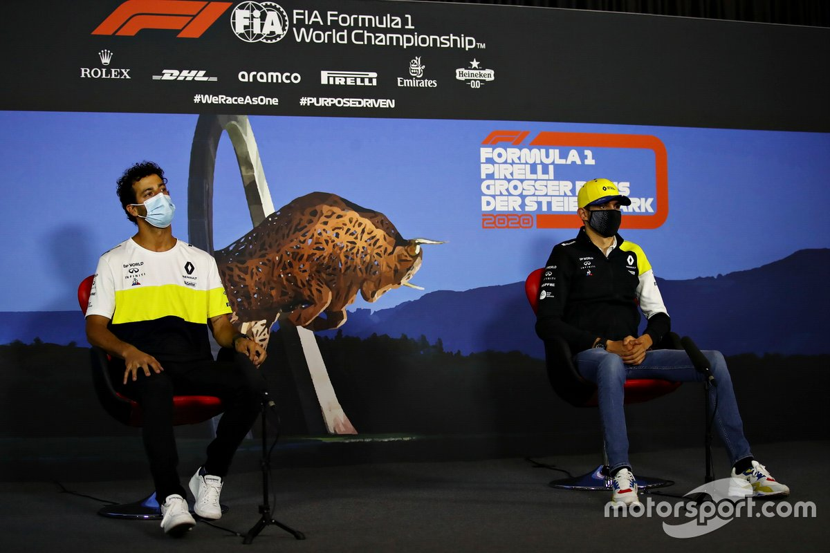 Daniel Ricciardo, Renault F1 and Esteban Ocon, Renault F1 in the press conference