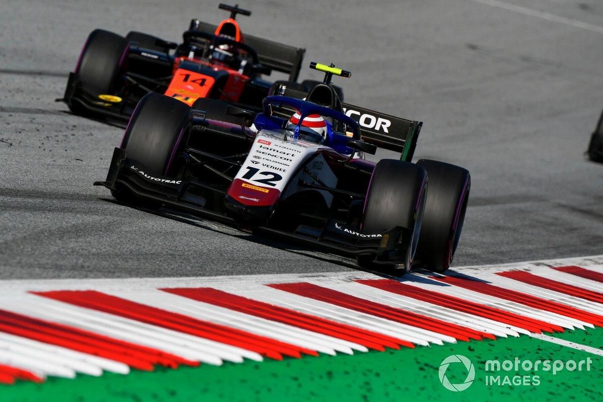 Pedro Piquet, Charouz Racing System, davanti a Nobuharu Matsushita, MP Motorsport