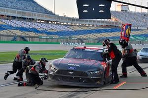 Austin Cindric, Team Penske, Ford Mustang Snap-On pit stop