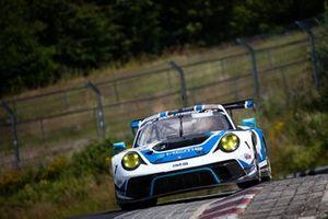 #18 KCMG Porsche 911 GT3 R: Romain Dumas, Patrick Pilet, Dennis Olsen, Richard Lietz