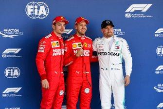Charles Leclerc, Ferrari, le poleman Sebastian Vettel, Ferrari et Valtteri Bottas, Mercedes AMG F1