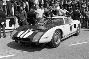 Richie Ginther, Masten Gregory, Ford GT40