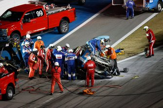 Ryan Newman, Roush Fenway Racing, Ford Mustang Koch Industries, crash, safety team