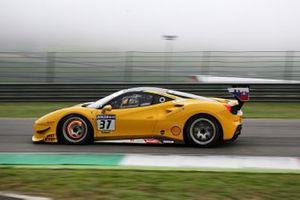 #37 Ferrari 488 Challenge, Scuderia Praha: Jan Danis