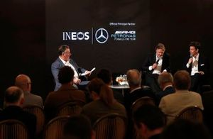 Sir Jim Ratcliffe, Ineos kimya grubu başkanı ve CEO'su ve Toto Wolff, Mercedes AMG Yönetici Direktörü