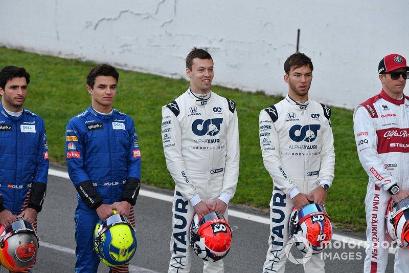 Carlos Sainz, McLaren, Lando Norris, McLaren, Daniel Kvyat, AlphaTauri, Pierre Gasly, AlphaTauri and Kimi Raikkonen, Alfa Romeo schierati sul tracciato