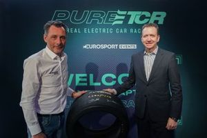 François Ribeiro, Capo di Eurosport Events, e Mike Rytokoski, Vice Presidente e responsabile marketing di Goodyear Consumer Europe
