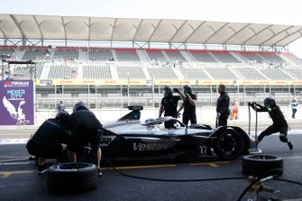 Nyck De Vries, Mercedes Benz EQ, EQ Silver Arrow 01 during a practice pit stop