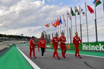 Sebastian Vettel, Ferrari, découvre la piste