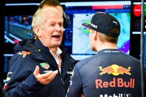 Helmut Marko, Consultant, Red Bull Racing, talks with Max Verstappen, Red Bull Racing