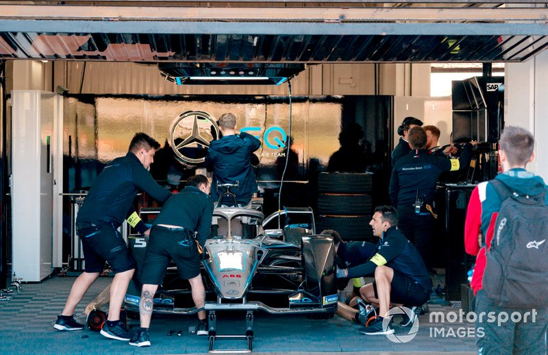 Mechanics work on Stoffel Vandoorne's, Mercedes Benz EQ Formula, EQ Silver Arrow 01