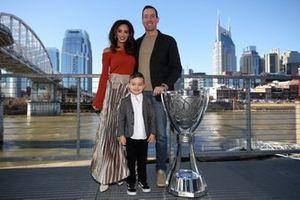 Monster Energy NASCAR Cup Series, Campeón Kyle Busch su esposa Samantha y su hijo Brexton