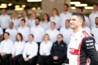 Edoardo Mortara, Venturi poses for a picture with the team