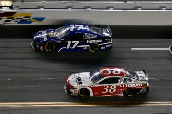 John H. Nemechek, Front Row Motorsports, Ford Mustang Citgard and Chris Buescher, Roush Fenway Racing, Ford Mustang Fastenal