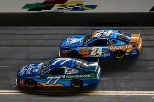 Ross Chastain, Spire Motorsports, Chevrolet Camaro AdventHealth and William Byron, Hendrick Motorsports, Chevrolet Camaro Axalta 'Color of the Year'