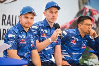 #500 Team KAMAZ Master: Eduard Nikolaev