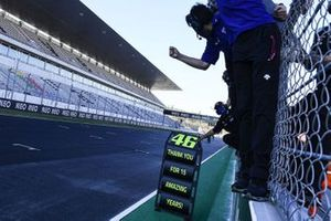 Thank you note to Valentino Rossi, Yamaha Factory Racing