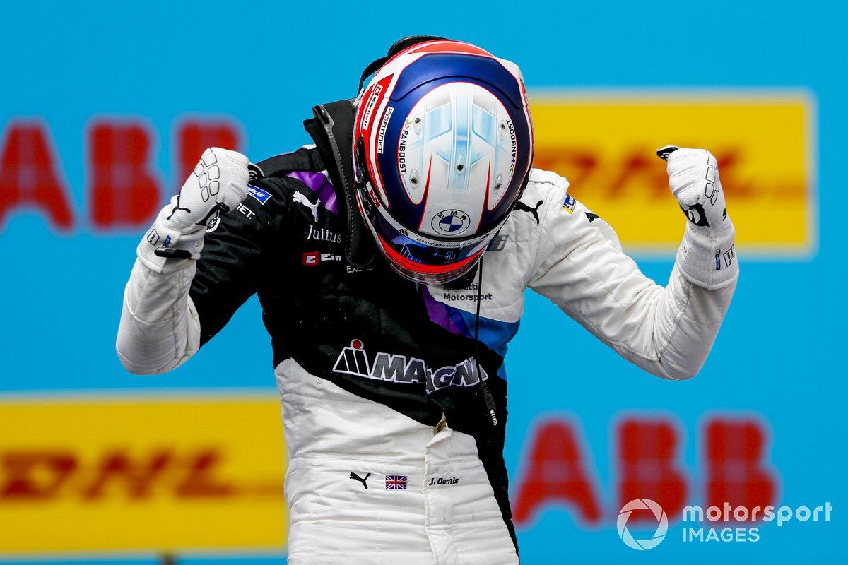 Ganador Jake Dennis, BMW i Andretti Motorsport, BMW iFE.21 celebra