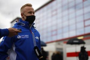 Nikita Mazepin, Haas F1, talks to the press