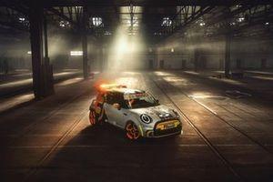 La MINI Electric Pacesetter, voiture de sécurité de la Formule E