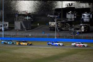 Ryan Newman, Roush Fenway Racing, Ford Mustang Guaranteed Rate, Martin Truex Jr., Joe Gibbs Racing, Toyota Camry DeWalt
