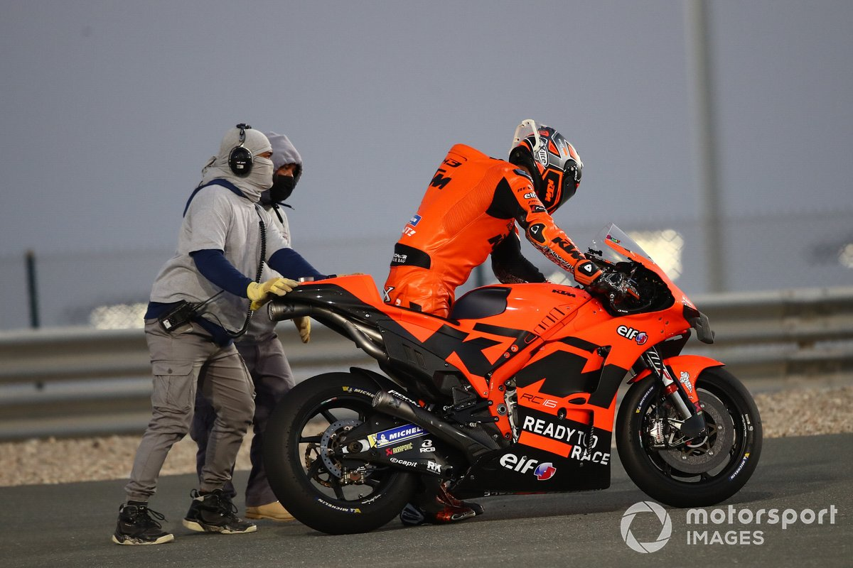 Danilo Petrucci (Red Bull KTM Tech 3) après son crash