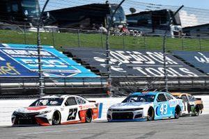 Bubba Wallace, 23XI Racing, Toyota Camry DoorDash and Erik Jones, Richard Petty Motorsports, Chevrolet Camaro Petty's Garage