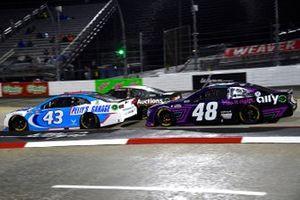 Erik Jones, Richard Petty Motorsports, Chevrolet Camaro Petty's Garage, Alex Bowman, Hendrick Motorsports, Chevrolet Camaro Ally