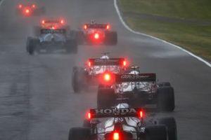 George Russell, Williams FW43B, Kimi Raikkonen, Alfa Romeo Racing C41, Antonio Giovinazzi, Alfa Romeo Racing C41, and Yuki Tsunoda, AlphaTauri AT02