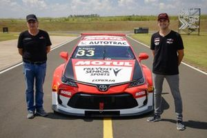 Nelson Piquet and Nelson Piquet Jr. unveil the Toyota Corolla livery