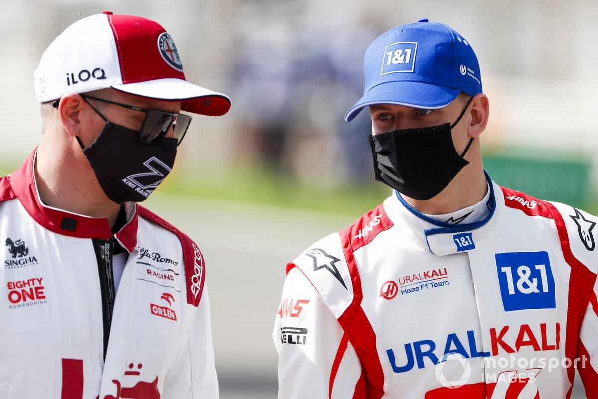 Kimi Raikkonen, Alfa Romeo y Mick Schumacher, Haas F1