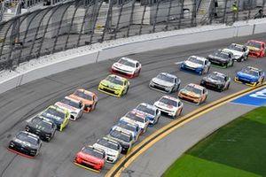 Austin Cindric, Team Penske, Ford Mustang Verizon 5G and Justin Allgaier, JR Motorsports, Chevrolet Camaro BRANDT