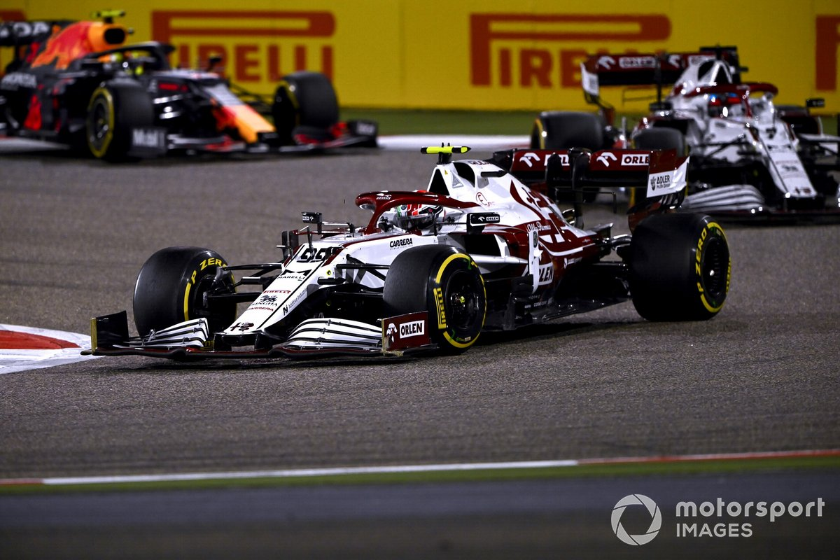 Antonio Giovinazzi, Alfa Romeo Racing C41, Kimi Raikkonen, Alfa Romeo Racing C41, and Sergio Perez, Red Bull Racing RB16B