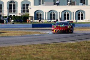 #9 Pfaff Motorsports Porsche 911 GT3R, GTD: Zacharie Robichon, Laurens Vanthoor, Lars Kern