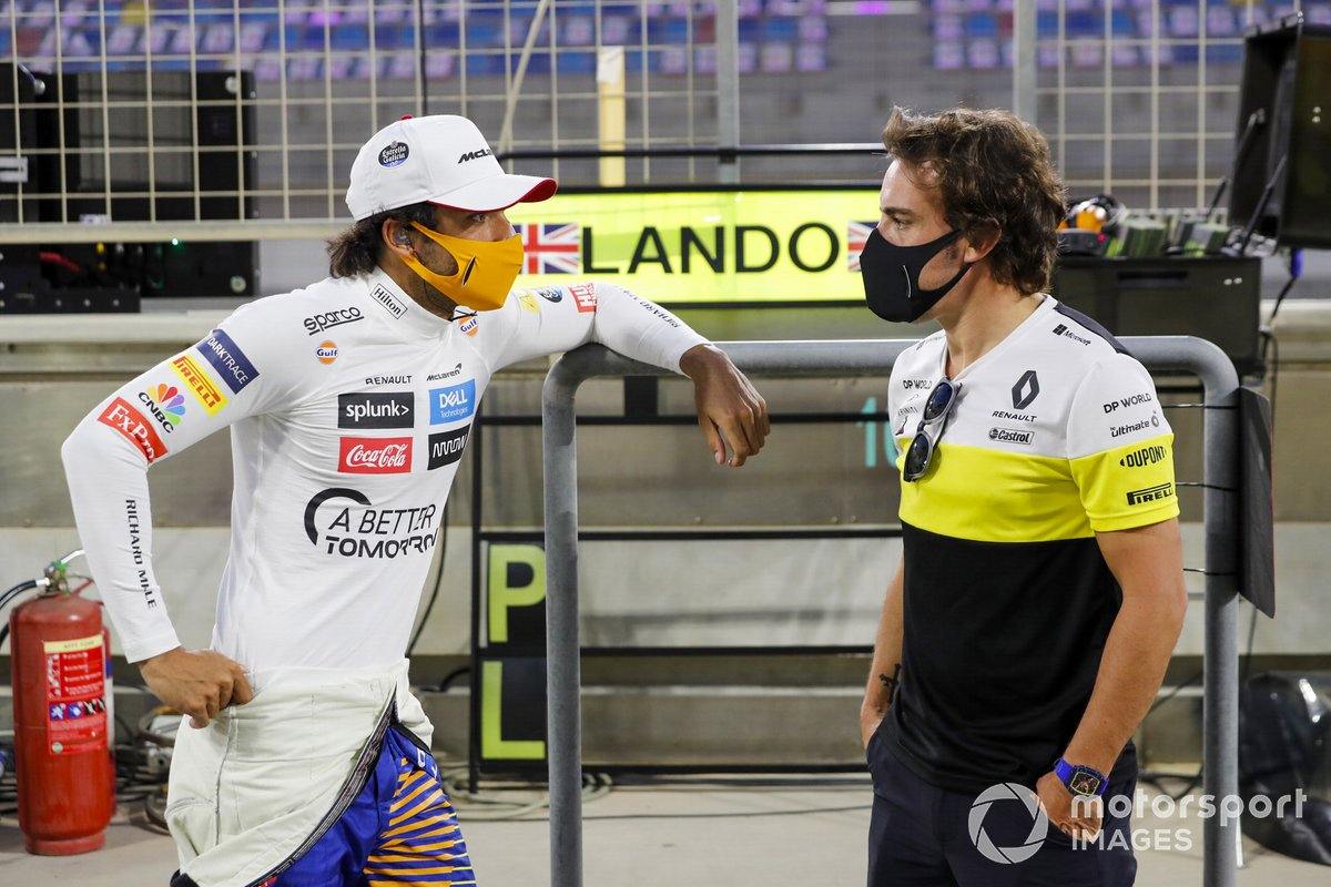 Carlos Sainz Jr., McLaren con Fernando Alonso, Renault