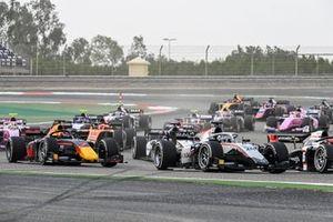 Nikita Mazepin, Hitech Grand Prix leads Yuki Tsunoda, Carlin