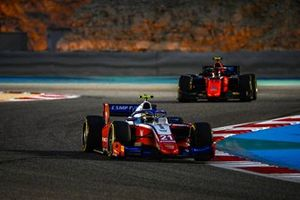 Robert Shwartzman, Prema Racing, leads Felipe Drugovich, MP Motorsport