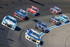Chase Elliott, Hendrick Motorsports, Chevrolet Camaro NAPA Auto Parts, Ricky Stenhouse Jr., JTG Daugherty Racing, Chevrolet Camaro Cottonelle