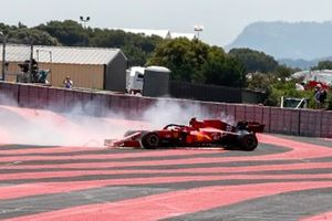 Carlos Sainz Jr., Ferrari SF21, spins off the circuit